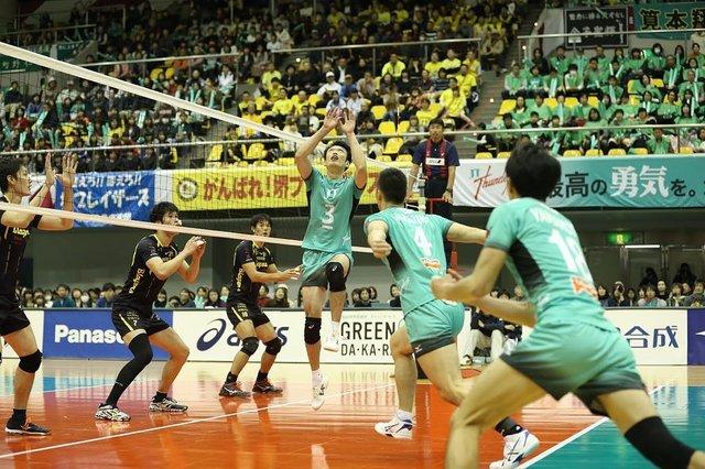 """一般社団法人日本バレーボールリーグ機構 on Instagram: """"【スワイプしてコマ送りできます】 トスの精度が勝敗を分けると言っても過言ではない! 多彩な攻撃を生みだすトスにも大注目!!! . 男子V.LEAGUEの開幕は10月26日(金)! . #バレーボール #バレー #バレーボール大会 #volleyball #volley #🏐…"""" (117237)"""