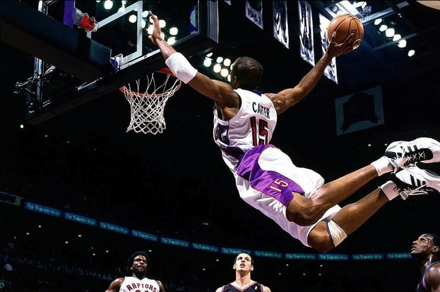 "Basketball Magazine on Instagram: ""@nba legend, Vince Carter is one of the fiercest dunkers the game has ever seen. The 6 foot 6 @sacramentokings is one of only seven players…"" (118399)"