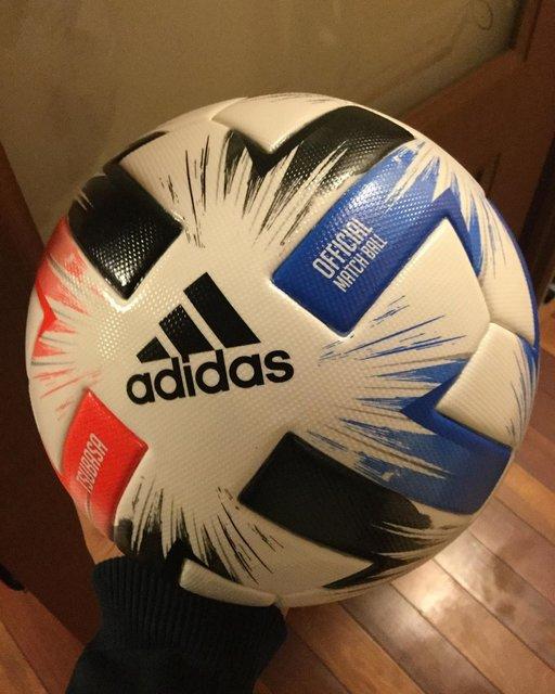 """河野 康介/Kawano Kosuke on Instagram: """"-2020サッカー公式球[つばさ]検定球。 #サッカー #公式球 #サッカーボール #つばさ #jリーグ公式 #検定球"""" (119021)"""