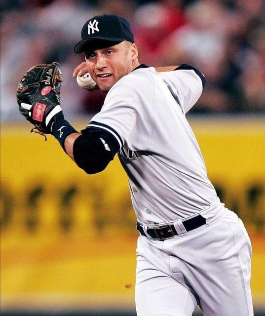 """⚽🏀Gabriel💙Deportes⚾🏈 on Instagram: """"Aquí los palmares del """"sobrevalorado"""" Derek Jeter👀 Jeter es el jugador de los Yankees con más imparables en toda su  historia superando a…"""" (120184)"""