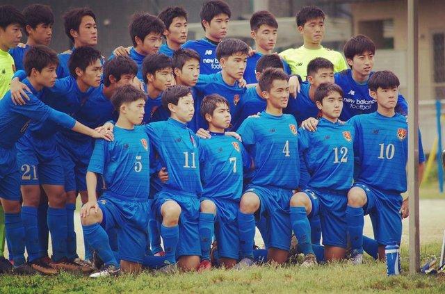 """Yasuhiro Yamaguchi on Instagram: """"長男のハヤテ。右から2番目。ケガでなかなか思うように行かない。でもケガをしっかりと受け入れ付き合ってる。すげ〜よ!#熊本商業高校サッカー部"""" (122500)"""