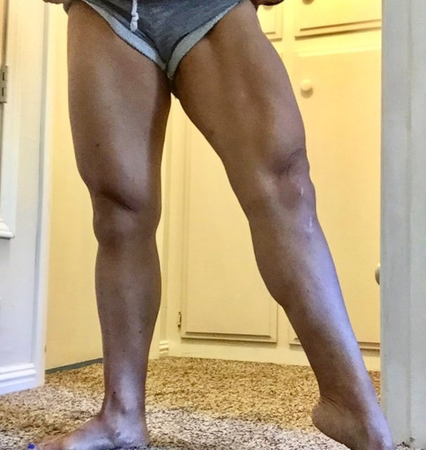 "hiKaRi on Instagram: ""Small progress is still a progress #legs #smallgains #quads #legs #flexing #nofilter #fitmom #workout #muscle #progress #momwithmuscles…"" (123402)"