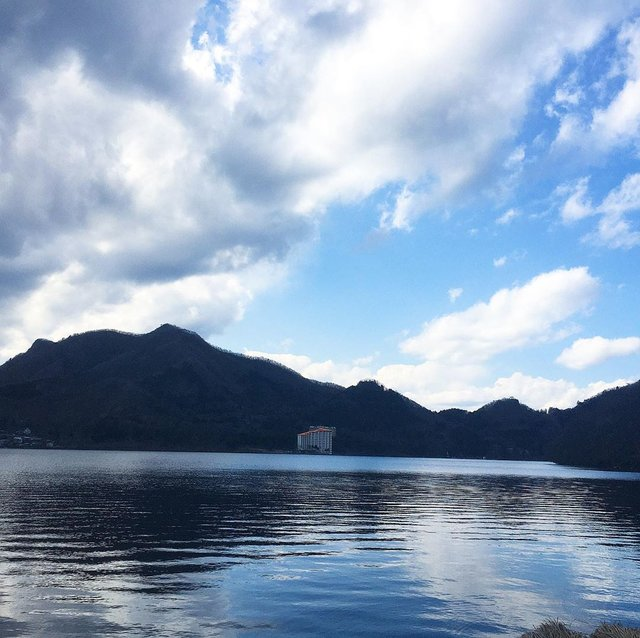 "@livemetropolitanarea's Instagram post: ""東京→群馬。#榛名湖 の周りをぐるっと散歩。思ったより広くて2時間半かかった😂 ▪︎#japan #japantrip #japan_vacations #japan🇯🇵 #japan_of_insta"" (125119)"