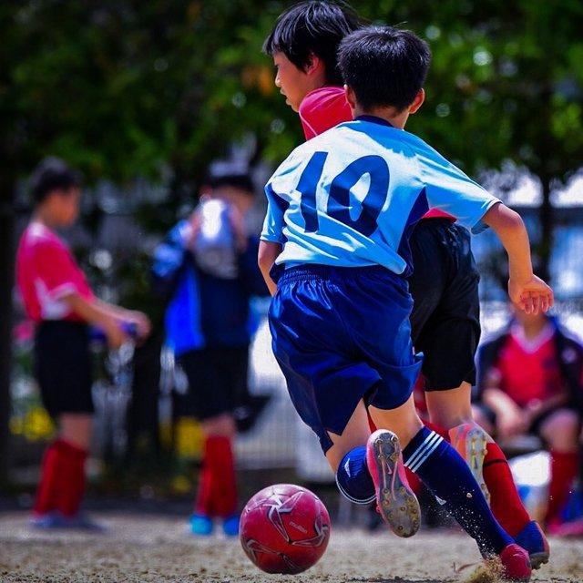 """Yuuki on Instagram: """"#コロナばっかりで気が滅入るからカッコいい背中貼ろうぜ  #サッカー#サッカー少年#d500#Nicon #football#photography #写真好きな人と繋がりたい #写真を撮る人と繫がりたい #少年サッカー"""" (127367)"""