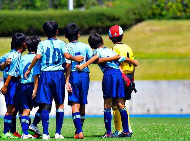 """Yuuki's Instagram photo: """"円陣前、キャプテン待ち#過去pic  #サッカー#サッカー少年#d500#Nicon #football#photography #写真好きな人と繋がりたい #写真を撮る人と繫がりたい #少年サッカー#コロナばっかりで気が滅入るからカッコいい背中貼ろうぜ"""" (127368)"""