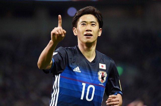"""Shinji Kagawa 香川真司's Instagram photo: """"今から帰国します。10月の2試合 僕は全力で戦います。選手、スタッフ、サポーター一つになって共に戦いましょう。"""" (127882)"""