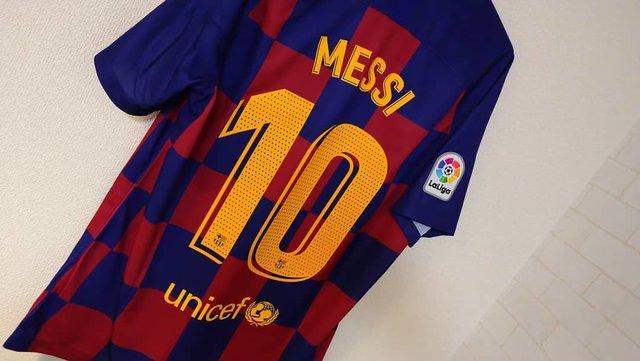 """天野俊則 on Instagram: """"欲しかったユニフォーム👕✨#バルセロナ#FCバルセロナ#Rakuten#unicef#サッカーショップ加茂半額で売ってたのでネットで購入しました🎵せっかくなので#メッシ#10のネーム入れました😄かっこいい✌️#サッカーユニフォーム#サッカー好き"""" (128383)"""