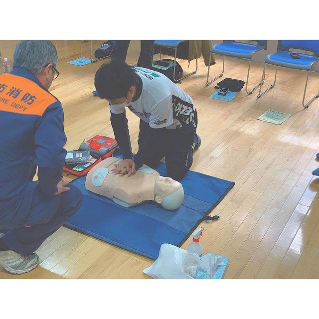 """多種目スポーツスクールJJMIX on Instagram: """"【救命講習会】  先日、埼玉地区指導員全員で、救命講習会に参加をさせていただきました。  リーフラススポーツスクールでは、スクール中や大会、合宿などで、子ども達に万が一のことがあった場合、指導員が適切な対応を取れるよう、毎年講習を受講しております。…"""" (128693)"""