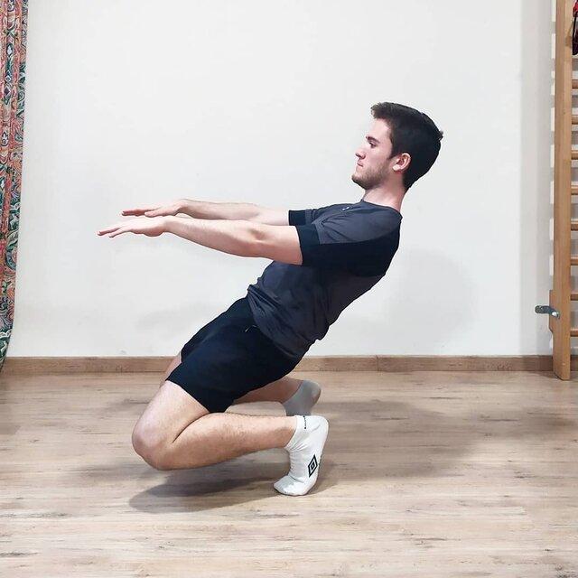 """Javi on Instagram: """"No es matrix!  No, no es matrix ni tampoco una sentadilla con una técnica pésima, se trata de la Sissy squat.  Es una sentadilla diferente,…"""" (132461)"""