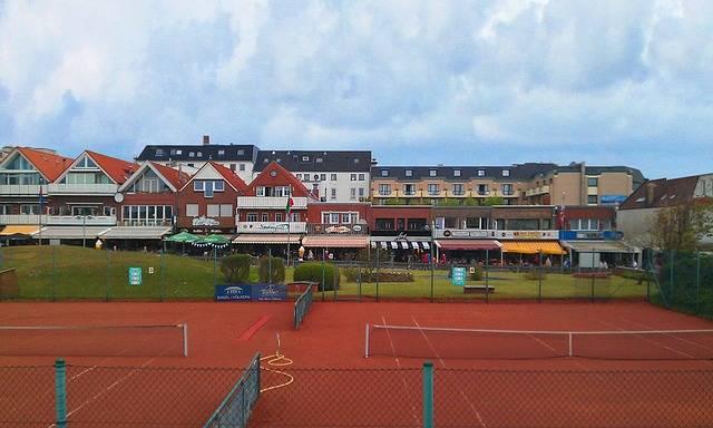 Borkum Commercial Street Tennis · Free photo on Pixabay (46553)