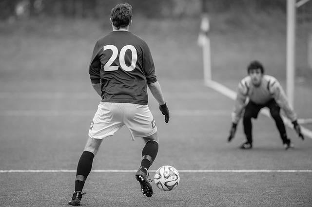 Football Striker Goalkeeper - Free photo on Pixabay (76188)