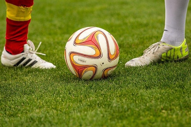 Football Duel Ball - Free photo on Pixabay (98551)