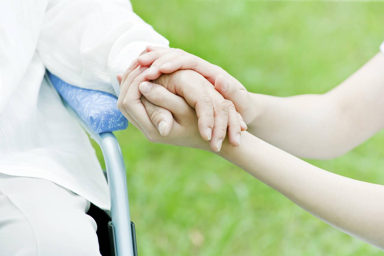 「準備はアラフォーのうちに」と介護経験者。殆どの女性が話さない「親の介護」のリアルを大調査。