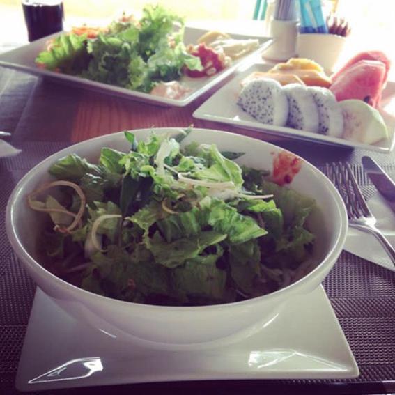 ベトナム旅行での朝食です!