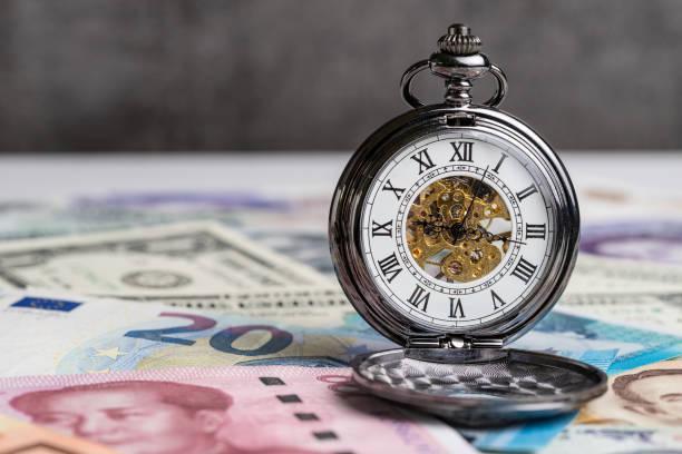 世界金融危機概念、国際的な主要国紙幣の機械的ヴィンテー...