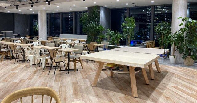※東京本社のカフェテリアに卓球台が!