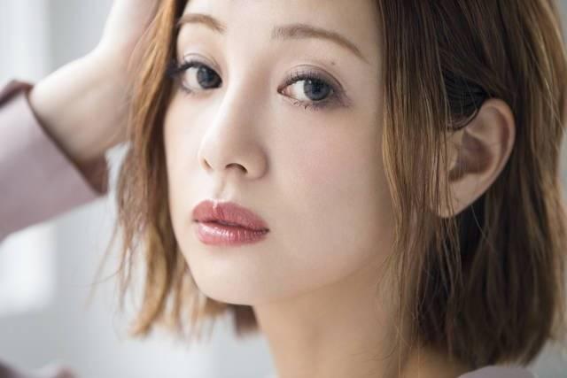 モデル木下ココさん初登場♡カラコン×アイメイクで作る旬なスモーキーアイ