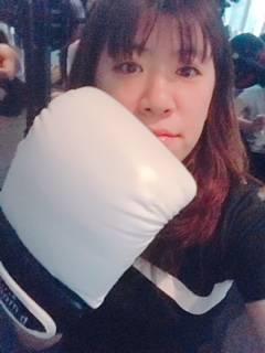 話題の暗闇ボクシングに大ハマり!!【ヘアメイク宮本由梨がカラコニスタに仲間入り♪】