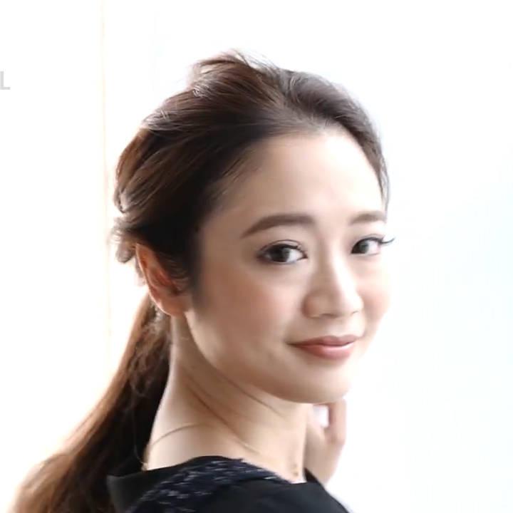 """オフィスで""""モテ髪♡""""ロングヘアの簡単アレンジ!【動画で解説!】"""