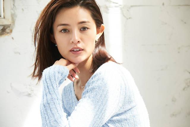 究極の美肌の持ち主、渡辺知夏子さんのデイリースキンケアを大公開♡