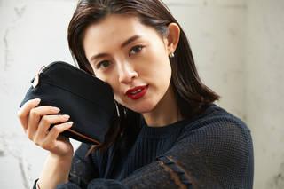 人気モデル、渡辺知夏子さんこだわりのベースメイク&愛用ポーチの中身をお披露目♡   LindeL(リンデル)