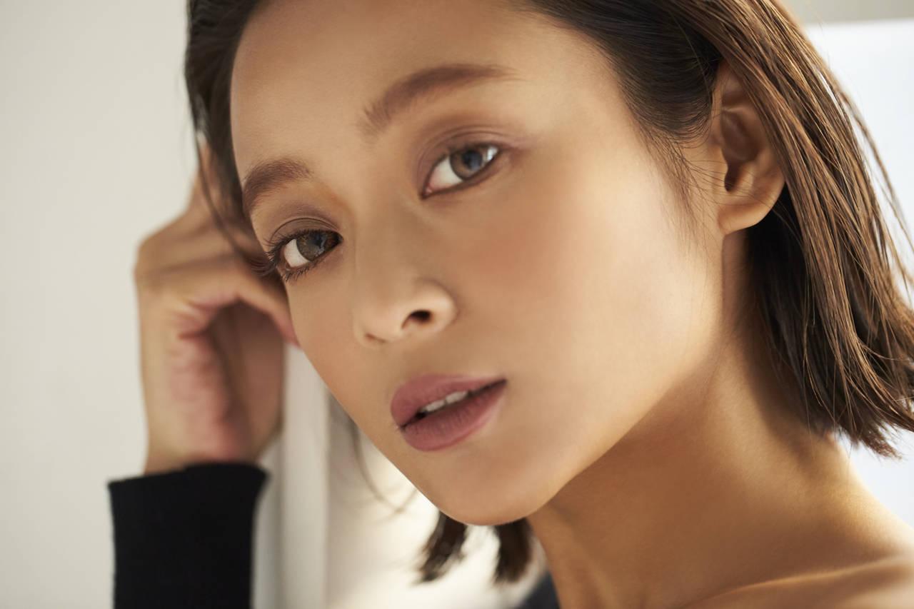 レヴィア&エバカラを愛用中♡モデル脇田恵子さんの『カラコン×メイク』でONとOFFの切り替え術