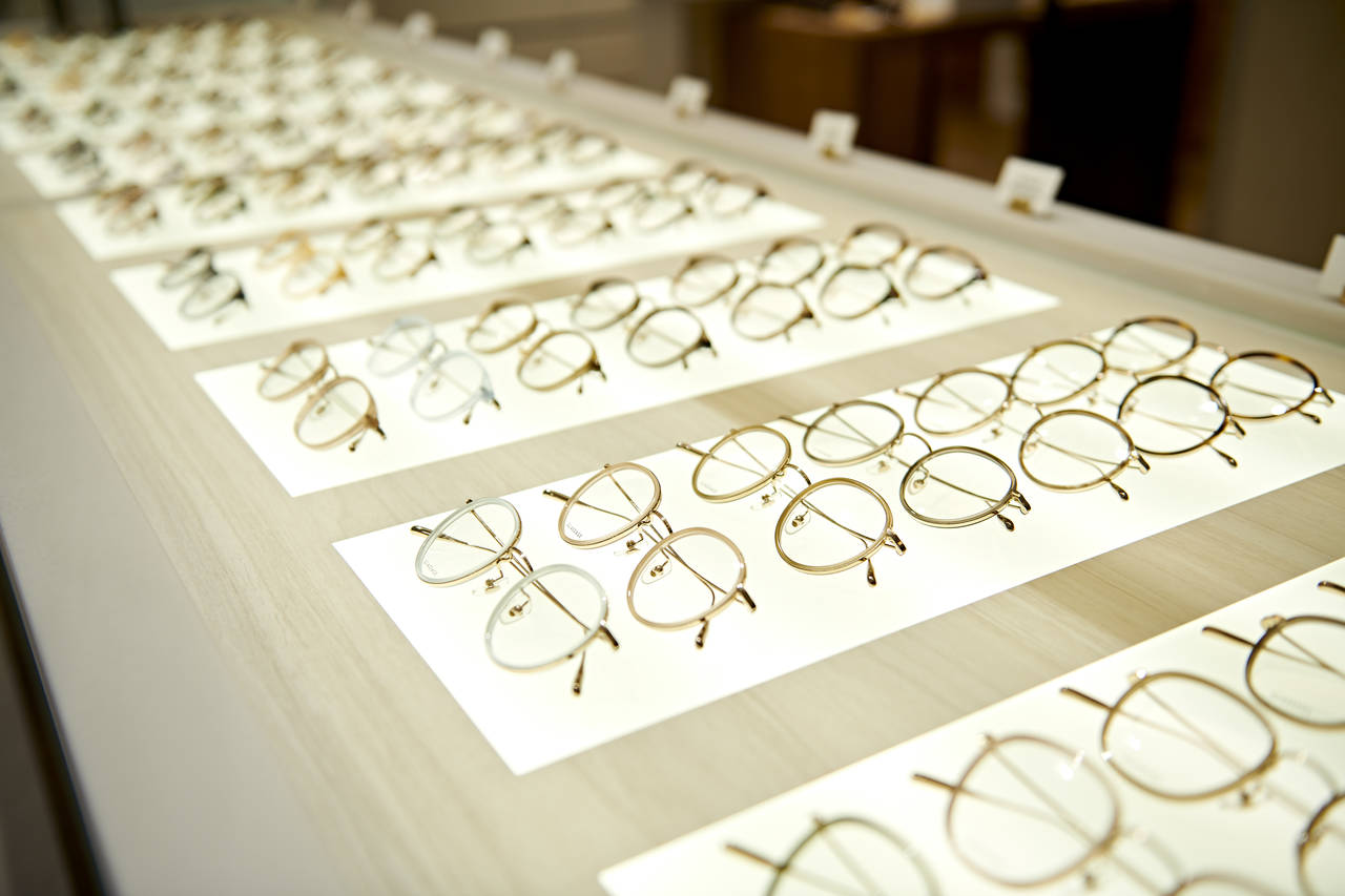 パーソナルカラー×ラインアナリシスで選ぶ!運命のメガネの選び方♡
