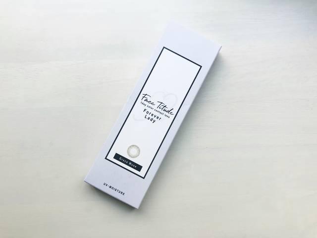【フェイスティチュード グレースミューズのカラコンレポ】不規則なドット柄が透け感のあるハーフな目元を演出するオリーブブラウンカラコン