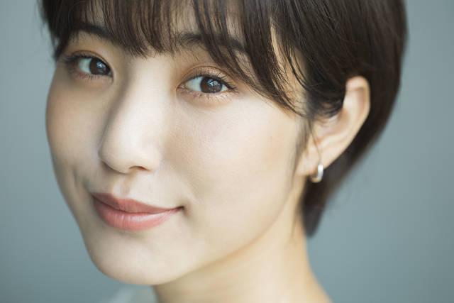 【人気モデル出岡美咲さんの目元美容の秘訣♡】澄んだ瞳をつくる3つのルーティーン