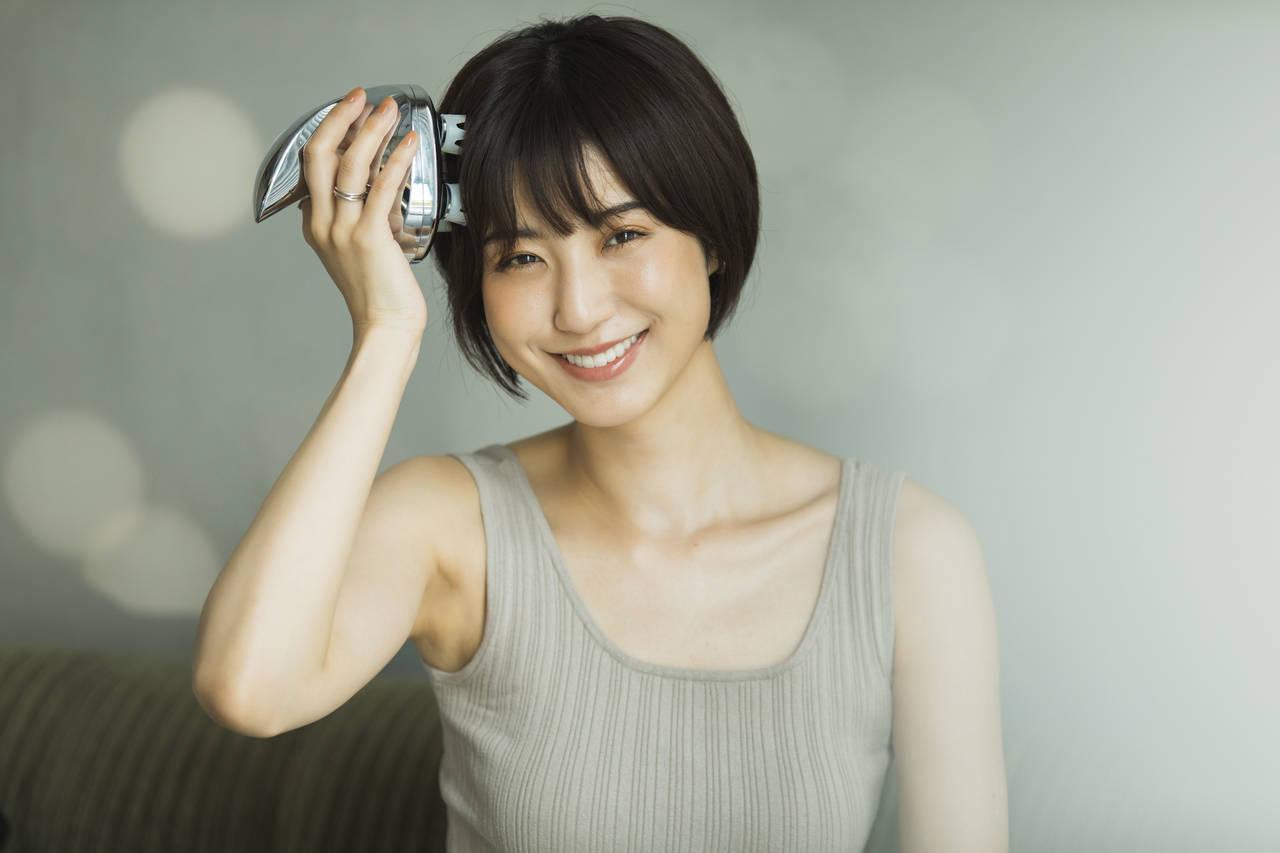 モデル出岡美咲さんが偏愛する「キレイの貯金ができる6つの美容家電」