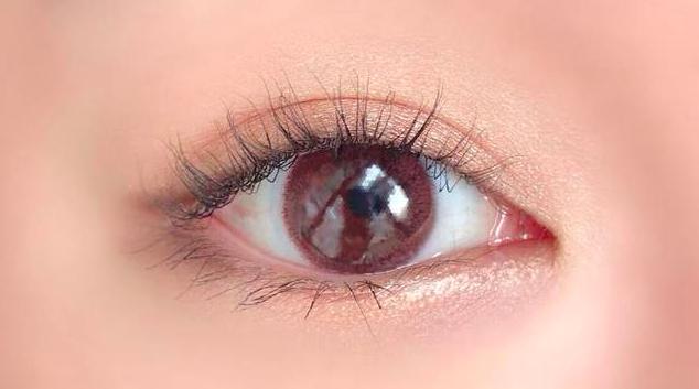 【ネオサイトワンデーリング UV モーヴブラウンのカラコンレポ】さりげなく瞳の印象をアップさせる!ピンクブラウンのカラコン