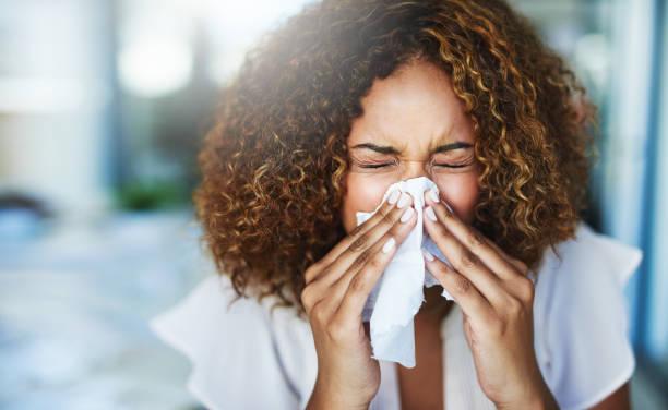 今年は昨年の3倍花粉が飛ぶ⁉︎  辛い日々を乗り切る対策とは?