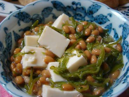 豆腐、納豆、めかぶを混ぜたKOMAKIスペシャル♪