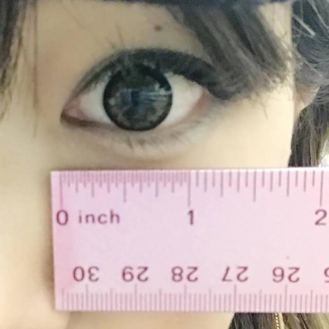 瞳の黄金比率をチェックしました!