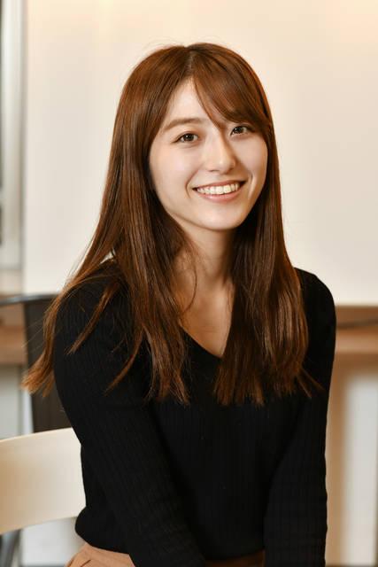 佐野由奈さん(24歳)