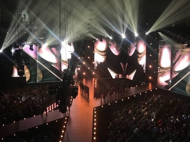 会場は、世界中から集まったセレブ、オーディエンスで満員!!