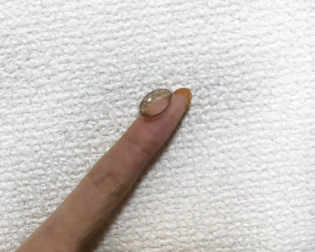 指にのせてみると…