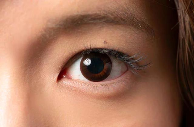 裸眼に近い滝沢の瞳はこちら✨