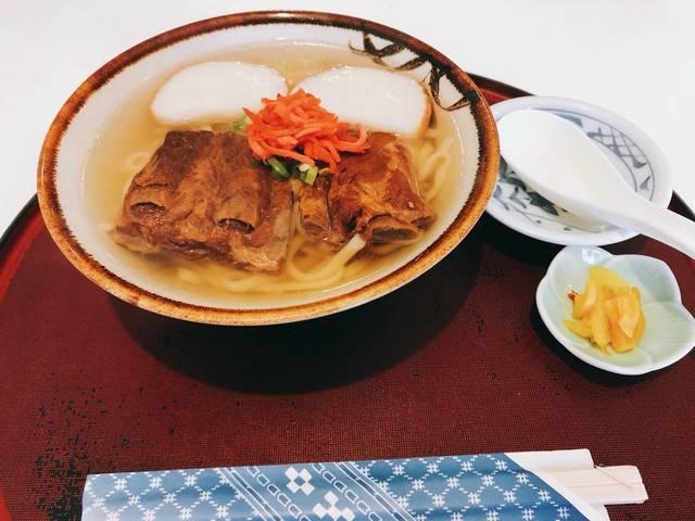 沖縄といえばのソーキそばも食べたよ