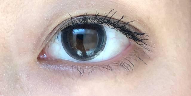 グレーのベールがかかった優しい瞳に!