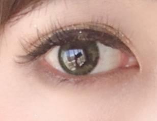 瞳が立体的かつ、うるおいに満ちた雰囲気になる!