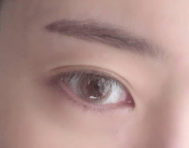 透明感のある瞳にはなれたけど…