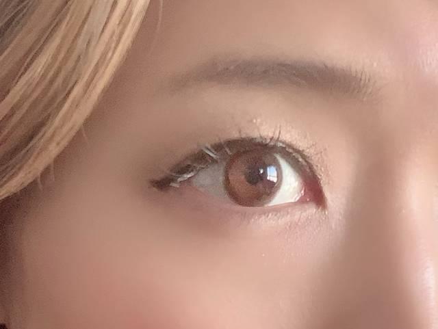 色素薄い系の瞳になってる!