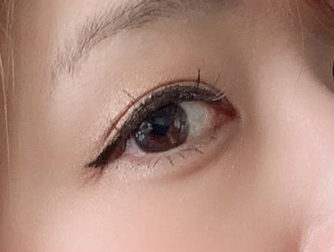 瞳の透明感が出てナチュラルに見えますね!