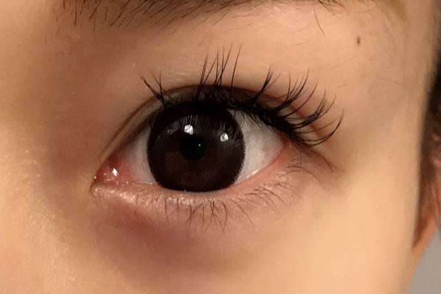 瞳がワントーンダークになりました