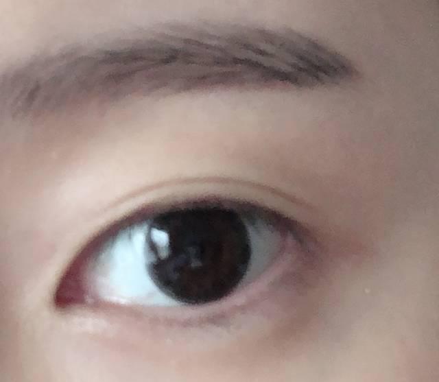 のっぺりしがちな黒目に立体感が出ました!