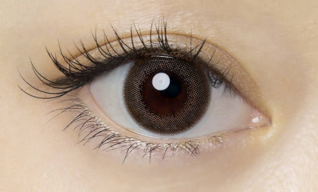 茶フチ×ピンクベージュで透き通った瞳に♡