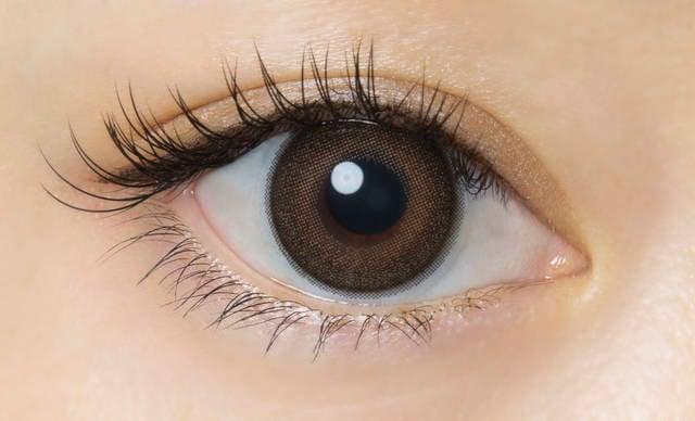 黒フチ×うるつやブラウンではしかんちゃんな瞳に♡