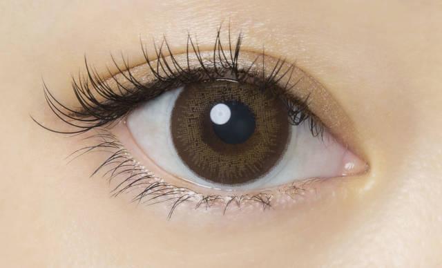 茶フチ×ダークブラウンで色素薄い系の瞳に♡