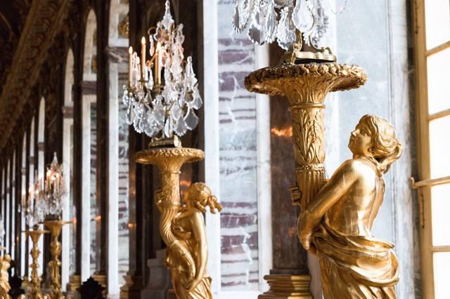 ヴェルサイユ宮殿の照明|ぱくたそフリー写真素材 (340)